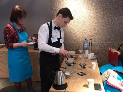 Jaimy, 6 Restaurant-keuken, maakt beste slow coffee!